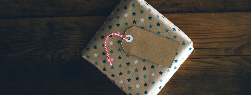 Package by Annie Spratt on Unsplash: Surprise Me by Sophie Kinsella (The Modest Reader)
